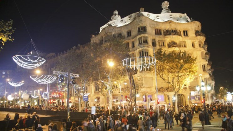 shopping night barcelona