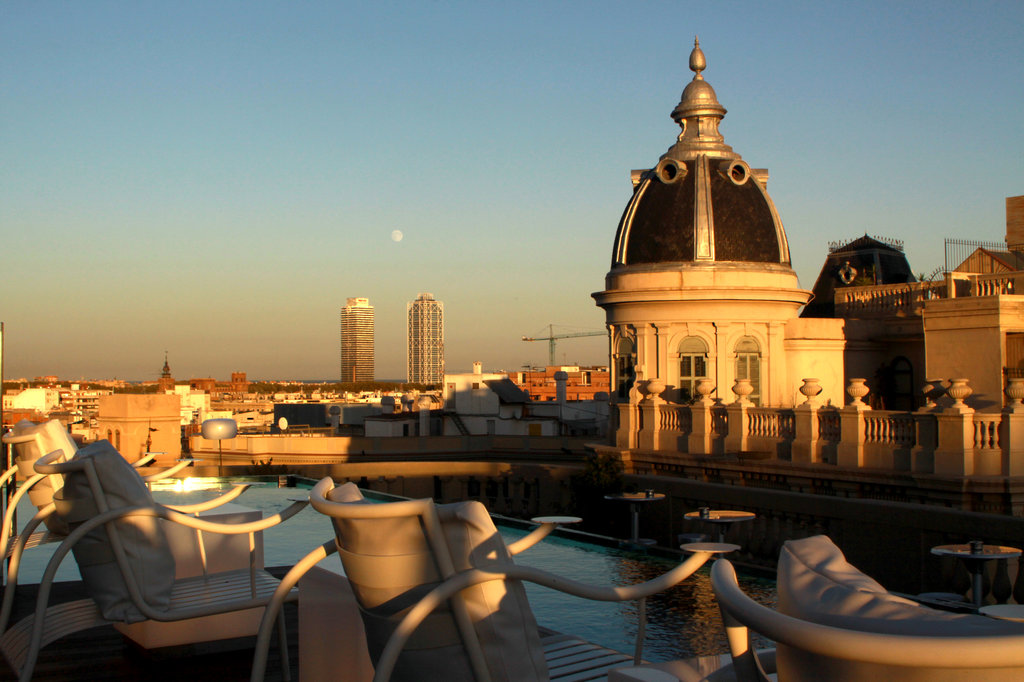 Los 5 mejores bares en azoteas de barcelona para disfrutar for Ohla hotel barcelona