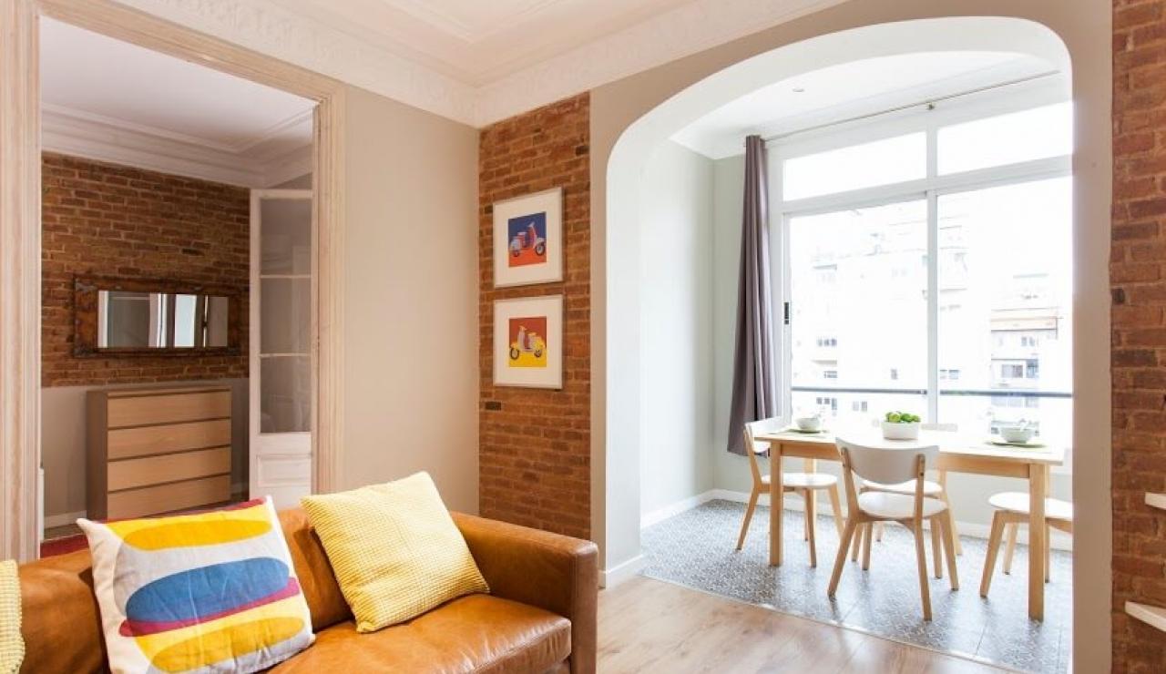 city center apartments in barcelona comedor