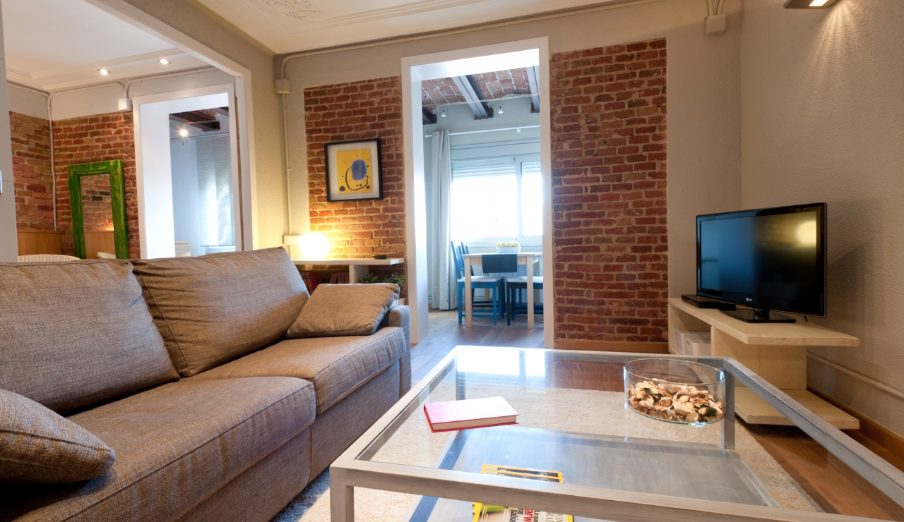 city center apartments in barcelona salón