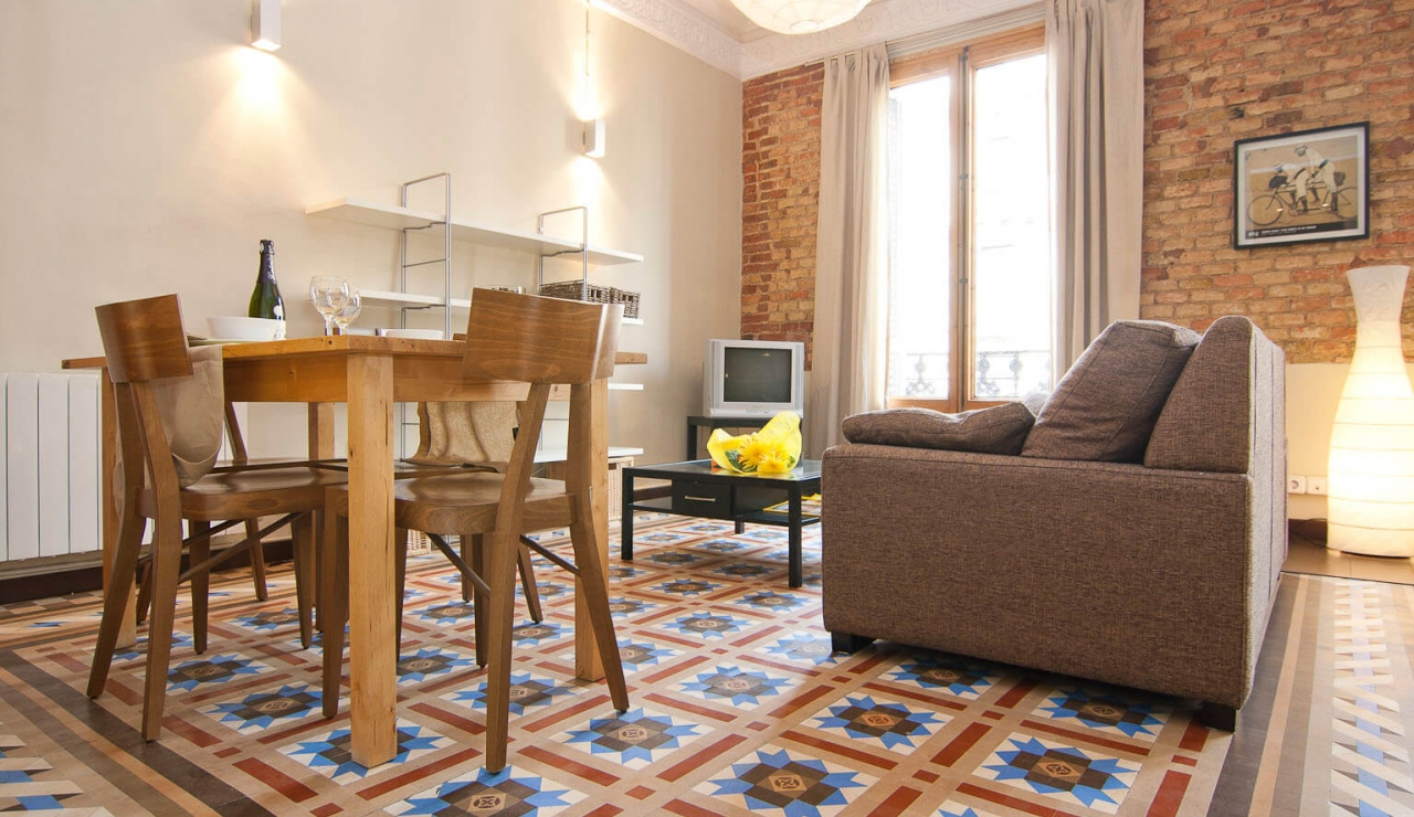 holiday apartments in barcelona comedor