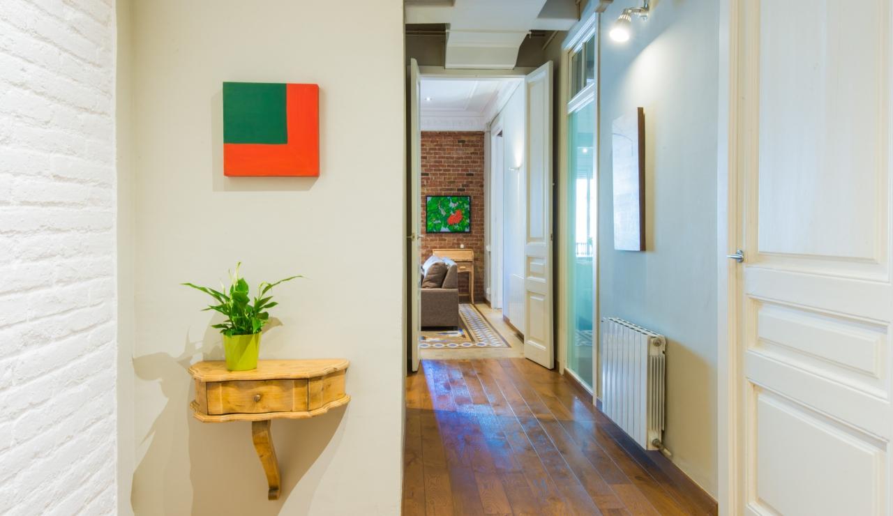city center apartments in barcelona pasillo