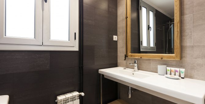 apartment barcelona eixample baño 2