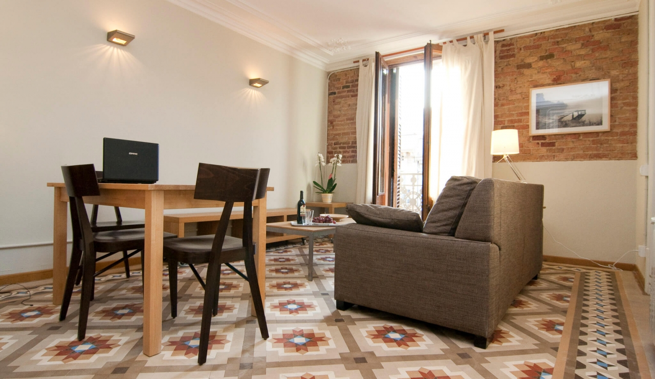 holiday apartments in barcelona - studios in city center